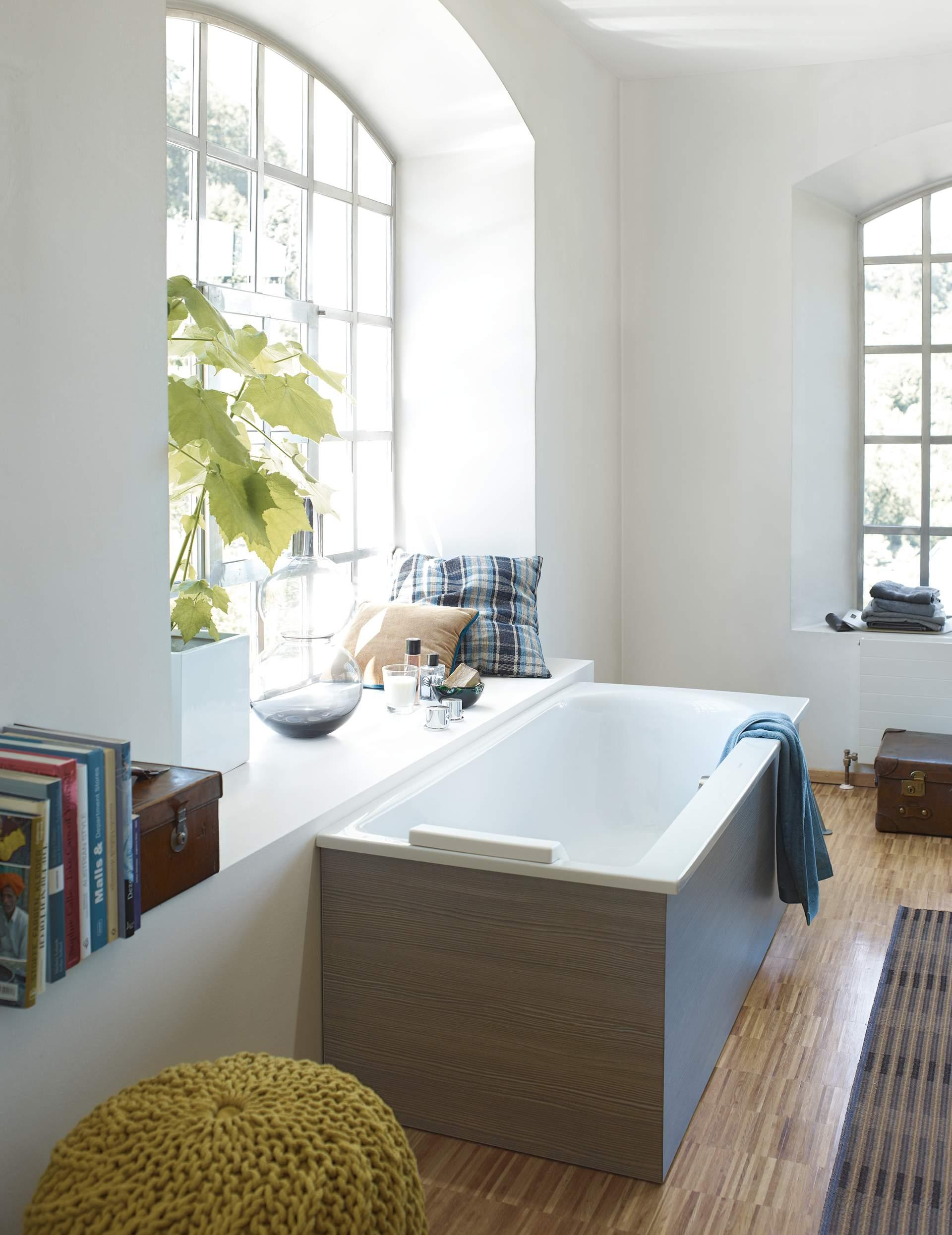 darling new whirlwanne 760240 duravit. Black Bedroom Furniture Sets. Home Design Ideas